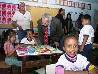Nelson Maculan com os estudantes